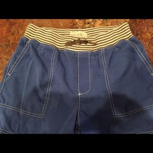 Boys Mini Boden 12y Techno Longboard Cargo Shorts